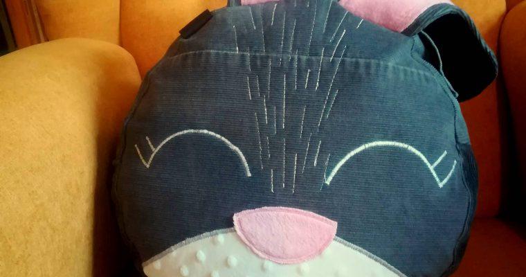 Upcyklovaný narozeninový dárek – sedací polštář